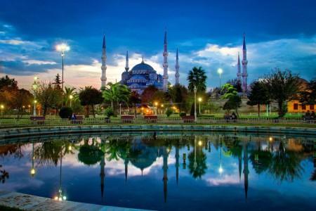 Сокращение турпотока из РФ обрушило бизнес в туристическом секторе Турции